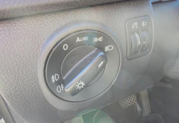VW TIGUAN AUTOMATIC